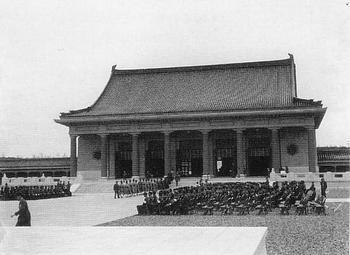 建国忠霊廟1.JPG